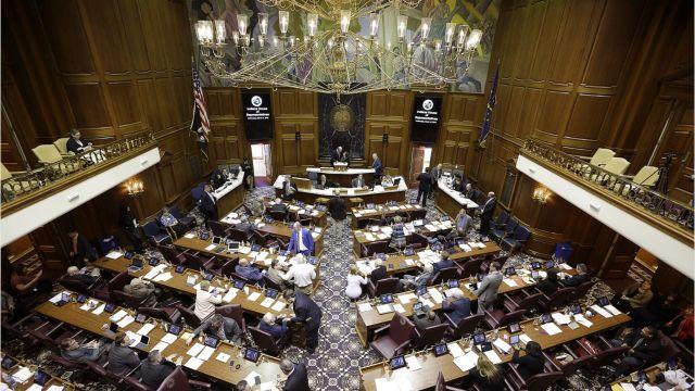 Indiana e-cigarette tax dies on last day of legislature